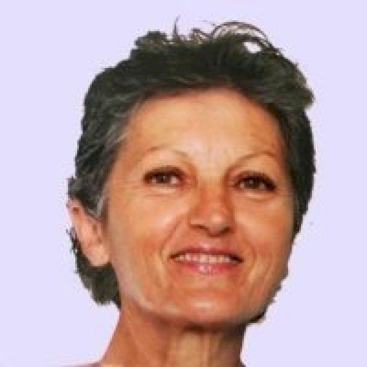 Nicole C. (64) Antiquaire